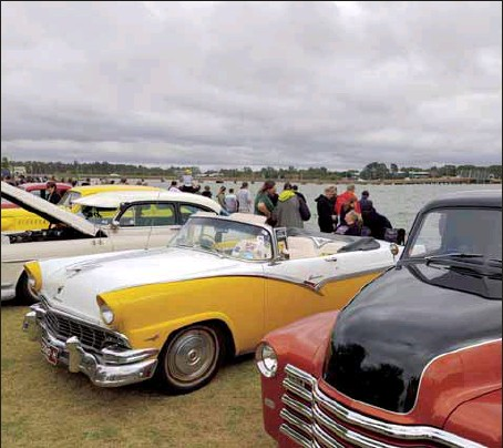 ?? PHOTO: YMTB ?? SHOW AND SHINE: Sun Country Historic Vehicle & Machinery Club Inc Picnic on the Lake and the EC Griffith Cup will be held at Lake Mulwala this autumn.
