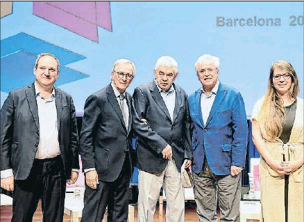 ?? ÀLEX GARCIA ?? Jordi Hereu, Xavier Trias, Pasqual Maragall, Joan Clos y Janet Sanz, en el CaixaForum de Barcleona