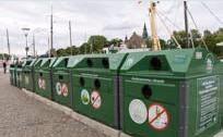 ?? FOTO: MOSTPHOTOS ?? ÅTERVINNING. Allt fler stockholmare väljer att återvinna sitt hushållsavfall.