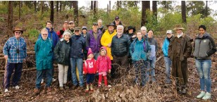 ??  ?? ■ Members of the IFA WA Division and the South West Agroforestry Network touring recently thinned jarrah regrowth at Wellington Discovery Forest.