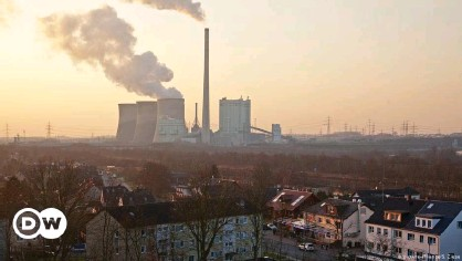 ??  ?? Carbon emissions are set to hit record levels by 2023