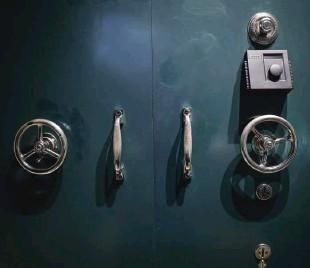 ??  ?? Muzej je razdeljen na razstavo, finančni labirint in muzejsko trgovino, najprej pa je predstavljena zgodovina.