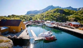 ??  ?? Ramberg in Norway is typical of many pretty harbours in Scandinavia