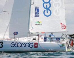??  ?? Ambrogio Beccaria (Geomag), leader en Série avec 57 milles d'avance sur son dauphin.