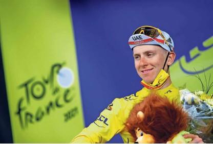 ?? Foto Stephane Mahe/Reuters ?? Tadej Pogačar v 12. etapi ni pretirano čutil naporov z dveh vzponov na Mont Ventoux dan prej.