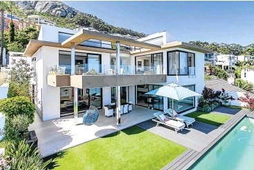 ?? Picture: Supplied ?? This luxury villa in Fresnaye on the Atlantic Seaboard sold for R36m to a buyer from Dubai.