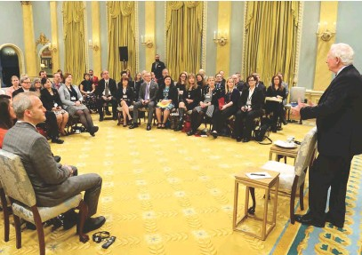 ??  ?? Left: Governor General David Johnston speaks with a group of award-winning history teachers at Rideau Hall. Top: Students and teachers listen to a presentation at Wabano Centre for Aboriginal Health in Ottawa. Above: Pierre Berton Award winner Merna...