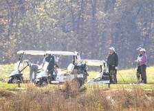??  ?? El anuncio de las cadenas de televisión sobre la victoria de Joe Biden se dio mientras Donald Trump jugaba una partida de golf.