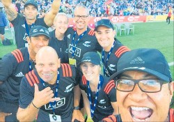 ??  ?? Dominic Vettise was part of the management team awarded gold medals when the Black Ferns won the women's 7s title at Hamilton in January. That's him in the middle row at the right.