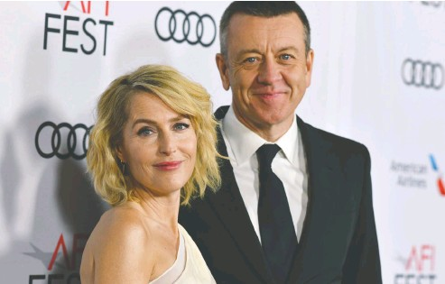 ??  ?? Actress Gillian Anderson, who stars in The Crown, recently split up with the show's creator, Peter Morgan.