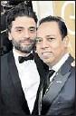 ?? Alberto Rodriguez NBC ?? 2016: HFPA's Munawar Hosain, right; Oscar Isaac.