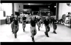 ??  ?? The Gua Musang Fire and Rescue Department personnel also catches the Panama Dance fever.