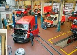 ??  ?? Die rund 190 Einsatzfahrzeuge der Feuerwehr werden in einer eigenen Kfzwerkstatt betreut.