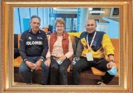 ?? FOTO CORTESÍA ?? Giovanni, su esposa Yolande y Marlon Pérez.
