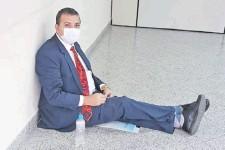 ??  ?? El abogado Roberto Améndola hizo ayer sentata en tribunales.