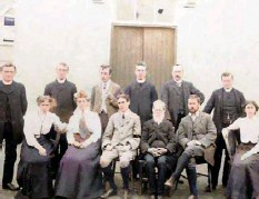 ?? Picture: Tim Twomey ?? Professors and priests at the door of Coláiste na Mumhan.