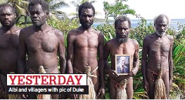 ??  ?? YESTERDAY Albi and villagers with pic of Duke