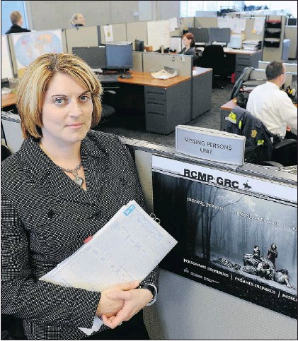 ?? LES BAZSO — PNG ?? Cpl. Holly Turton, at Surrey RCMP headquarters on Thursday, is head of the city's Mountie missing-persons unit.