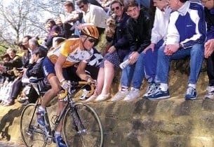 ??  ?? Rolf Sørensen won the team's irst big classic as Rabobank at the 1997 Ronde