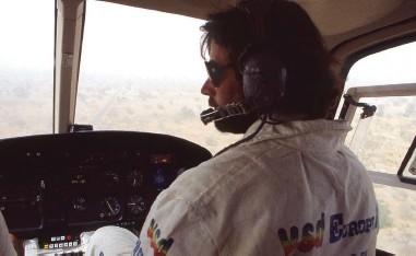 ??  ?? Thierry adorait piloter son hélico. Il avait 600 heures de vol sans avoir passé l'examen théorique…