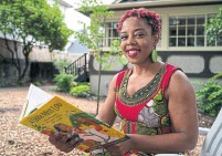 ?? RICHARD LAM TORONTO STAR ?? Author Nadia Hohn will host #KidLit4BlackLivesCanada on Friday. The literary event aims to show solidarity with the U.S. and address race and racism in Canada.