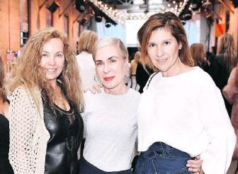 ??  ?? Constance Hogarth, Lisa Corbo and Beatriz Delvalle