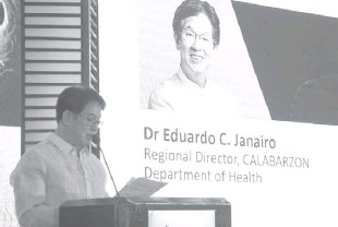 ?? PHOTO COURTESY OF PIA ?? DEPART­MENT of Health- Cal­abar­zon Re­gional Di­rec­tor Ed­uardo C. Janairo ad­dresses a re­cent event in this file photo. Pres­i­dent Duterte has ap­proved on Tues­day the Janairo's term ex­ten­sion fol­low­ing his 38 years in gov­ern­ment ser­vice.