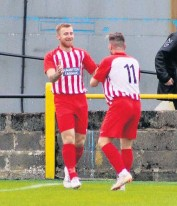 ??  ?? Delighted Liam Caddis and Sean Dickson celebrate