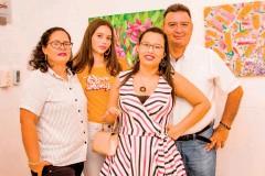 ??  ?? De izquierda a derecha: Fanny Marcela Suescún, Valeria Velasco, Hillary Velasco y Arturo Velasco.