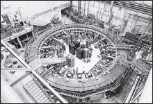 ?? 2017, FERMILAB VIA THE ASSOCIATED PRESS ?? The Muon g-2 ring at Fermilab outside Chicago runs at -450 degrees F to detect the wobble of muons as they travel through a magnetic field.