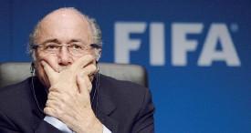??  ?? Sotto pressione. Il presidente della Fifa Joseph Blatter