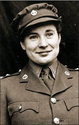 ??  ?? SERVICE: Patricia in 1946, back in the UK from military role