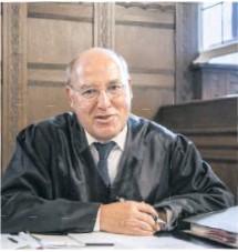 ?? Foto: Paul Zinken/dpa ?? Immer auch Anwalt: Linkspolitiker gregor Gysi (71)