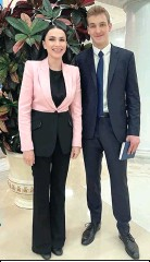 ??  ?? Наиля Аскер-заде и Николай Лукашенко во Дворце Независимости.