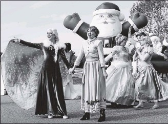 ?? ALEXA WELCH EDLUND/TIMES-DISPATCH ?? This year's Dominion Energy Christmas Parade will air Dec. 5 at 10 a.m. on WTVR-TV. The event, filmed last month, features characters from Magic and Merriment, a princess experience company.