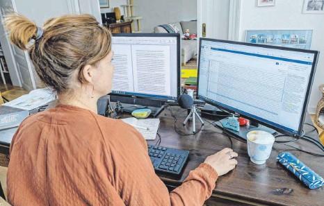 ?? FOTO: EPD ?? Mitarbeiterin im Homeoffice: Der Rückzug vom Arbeitsplatz ins Homeoffice soll ein zentraler Baustein im Kampf gegen die Corona-Pandemie werden.