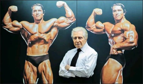 ?? JOHN MAHONEY THE GAZETTE ?? Jimmy Caruso's photos of Arnold Schwarzenegger in his days as a competitive bodybuilder adorn the walls of Gym-Zone Décarie, where Caruso works.