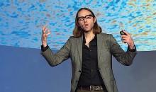 ??  ?? Il cosmo James Beacham, fisico al Large Hadron Collider, al Cern di Ginevra