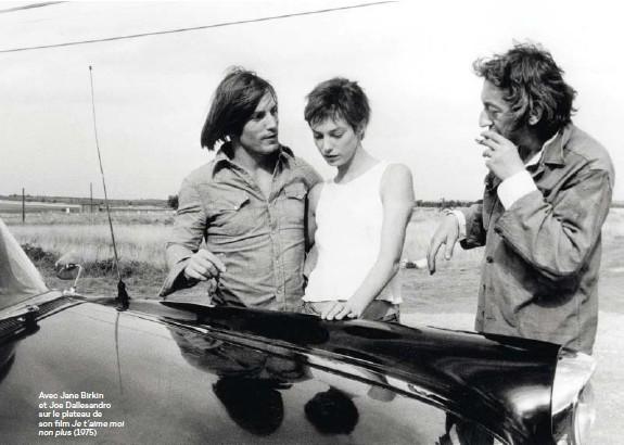 ??  ?? Avec Jane Birkin et Joe Dallesandro sur le plateau de son film