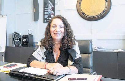 ??  ?? Cristina Caamaño le enviará el borrador del proyecto de ley al Presidente.