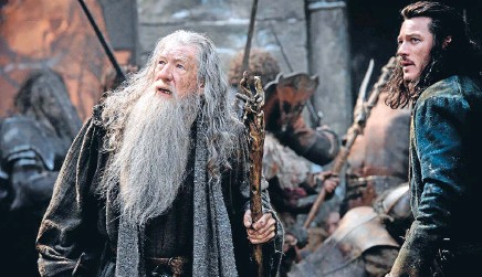 ??  ?? One ring: The Hobbit: The Battle of the Five Armies was No 1 at the Kiwi box office in 2014. 1 The Hobbit: The Battle of the Five Armies $6.1 million 2 Hunger Games: Mockingjay – Part 1 $5.8m 3 Transformers: Age of Extinction $5.3m 4 Frozen $5.1m 5...
