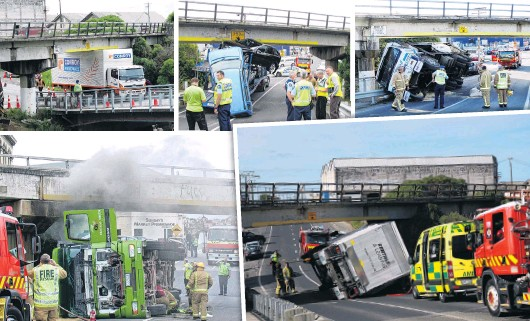 ??  ?? Re­cur­ring prob­lem . . . There have been sev­eral crashes or cases of trucks get­ting stuck un­der Oa­maru's Hum­ber St over­bridge in re­cent years.