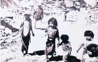 ??  ?? Poignant Guatemalan children search for their families following an earthquake in the 1970s