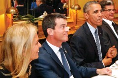 ??  ?? Paris posting: Miss Hartley in France with Barack Obama