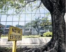 ?? RODRIGO ARANGUA / AFP ?? Sede. El edificio que alberga a la firma Mossack Fonseca en Panamá.