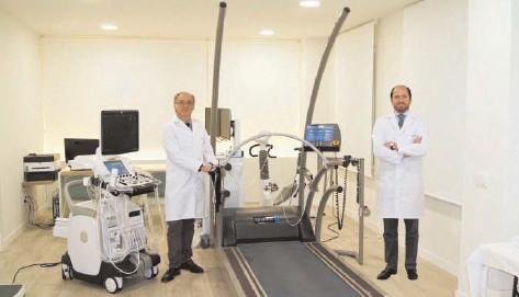 ??  ?? Los doctores Federico Gutiérrez-Larraya y Eduardo Alegría, del Centro Médico Ruber Internacional
