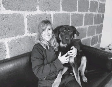 ??  ?? Jill Salomon with her new dog, Lucky, who had been found tied to a fence and left to starve.