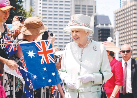 ??  ?? PART OF OUR HERITAGE: Queen Elizabeth is greeted by Brisbane crowds on October 24, 2011. Picture: Jodie Richter