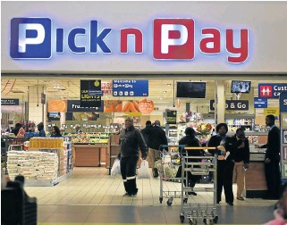 ?? /Freddy Mavunda ?? Lure of credit: Pick n Pay's new card is the most costeffective in the sector.