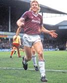 ??  ?? Frank Mcavennie in his pomp at West Ham in season 1985/86.